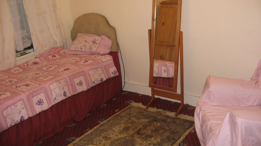 Three Double rooms for single female or two females