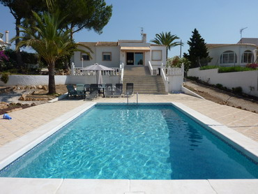 Costa Blanca,Spain - Detached villa with private pool by the beach