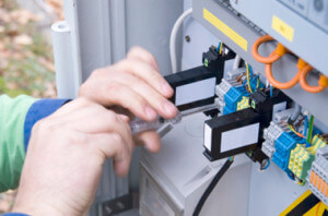 07801295368 Residential NICEIC Electrical Contractor In Chiswick Square,Bedford Close