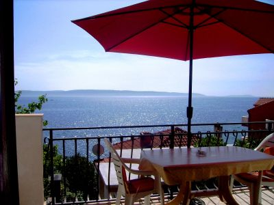 Panorama apartments in Croatia only 50m from the sea