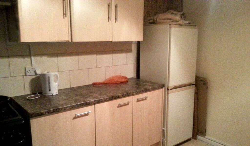 Fully inclusive double room to rent in shared house