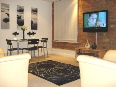 DOUBLE ROOM in 2 BED 2 BATHROOM LUXURY CITY CENTRE APARTMENT (FULLY FURNISHED) - £325 per month