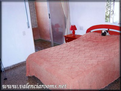 las fallas Cheap Accommodation Rooms in Valencia, Spain only 30