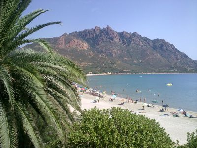 Eastern Sardinia beachside holiday apartment. sleeps 4.