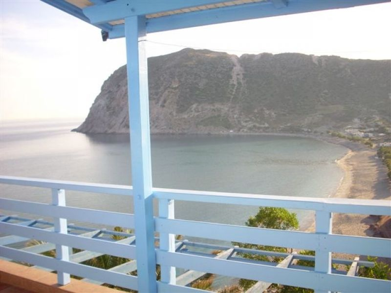 Greece Cyclades island of Milos rent rooms , studios, apartment
