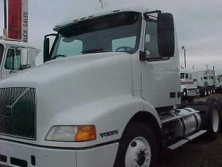 used 2000 volvo vnm64t heavy duty truck for sale in south carolina greenville. Black Bedroom Furniture Sets. Home Design Ideas