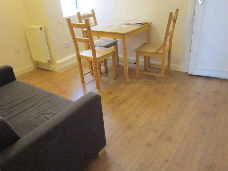 163 450 W Great Located 3 Bed Flat With Outside Space