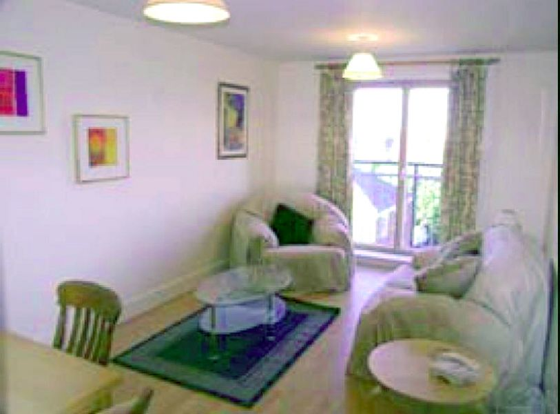 Lovely Penthouse apartment for short term or holiday rental in city centre location