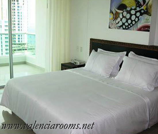 Affordable private rooms in Valencia, Spain10�