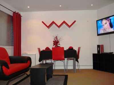 3 BEDROOM 3 BATHROOM (CITY CENTRE – NG1 1GH) Luxury Furnished Flat with Parking - NO AGENCY FEES!